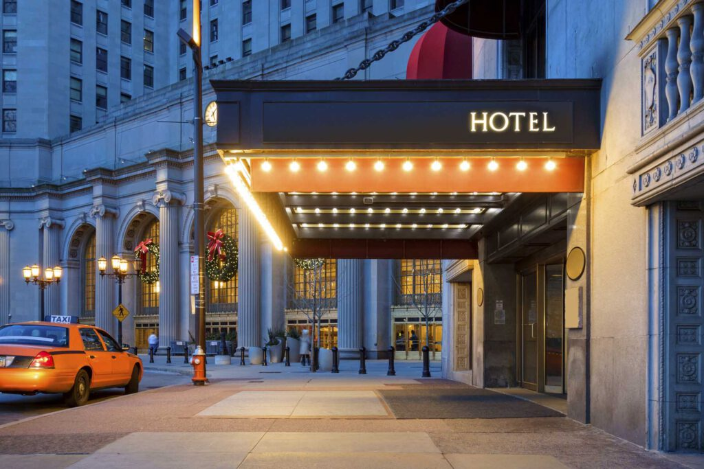 Find the discounted hotel room to save money